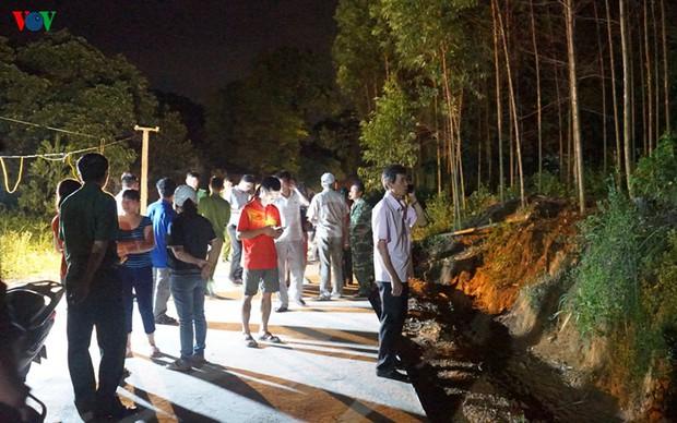 Phong tỏa hiện trường vụ án mạng kinh hoàng ở Uông Bí - Ảnh 4.