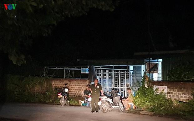 Phong tỏa hiện trường vụ án mạng kinh hoàng ở Uông Bí - Ảnh 8.