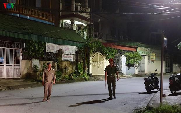 Phong tỏa hiện trường vụ án mạng kinh hoàng ở Uông Bí - Ảnh 9.