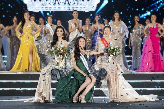 NTK váy dạ hội của Tân Hoa hậu Miss World Việt Nam 2019: Riêng đồ dạ hội, tôi hỗ trợ Linh và chỉ lấy tiền giặt là - Ảnh 1.
