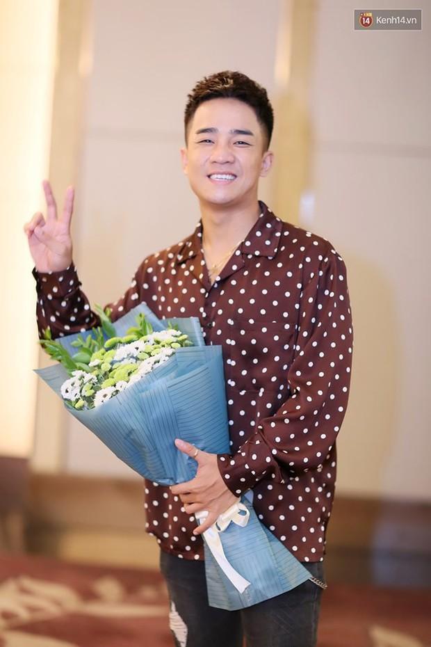 Diện đầm xòe công chúa, mẹ chồng quốc dân Lan Hương chặt đẹp dàn mỹ nhân phim nối sóng Về Nhà Đi Con - Ảnh 9.