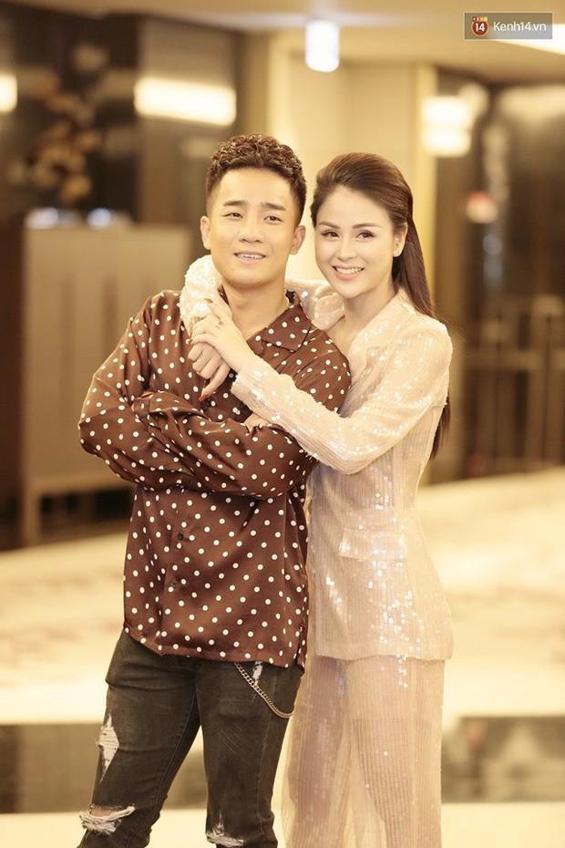 Diện đầm xòe công chúa, mẹ chồng quốc dân Lan Hương chặt đẹp dàn mỹ nhân phim nối sóng Về Nhà Đi Con - Ảnh 12.