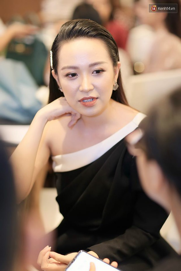 Diện đầm xòe công chúa, mẹ chồng quốc dân Lan Hương chặt đẹp dàn mỹ nhân phim nối sóng Về Nhà Đi Con - Ảnh 13.