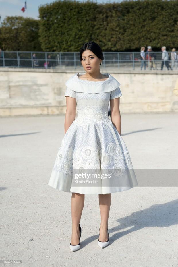 """Gái út của vị vua Thái mới lập """"vợ lẽ"""": Phong cách thời trang bỏ xa các nữ nhân Hoàng tộc khác về độ chất chơi và táo bạo - Ảnh 9."""