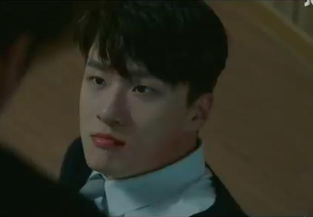 """Thấy cảnh bạn thân chết tức tưởi ở Khoảnh Khắc Tuổi 18, Ong Seong Wu diễn xuất như """"lên đồng"""" - Ảnh 5."""