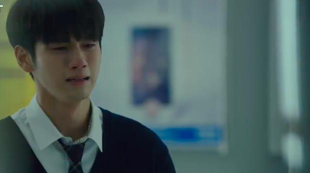 """Thấy cảnh bạn thân chết tức tưởi ở Khoảnh Khắc Tuổi 18, Ong Seong Wu diễn xuất như """"lên đồng"""" - Ảnh 2."""