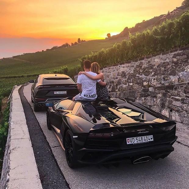 Công thức chung cho mỗi chuyến du lịch của hội rich kid trên Instagram: Kiểu gì cũng có siêu xe, du thuyền và tiêu tiền tỷ! - Ảnh 10.