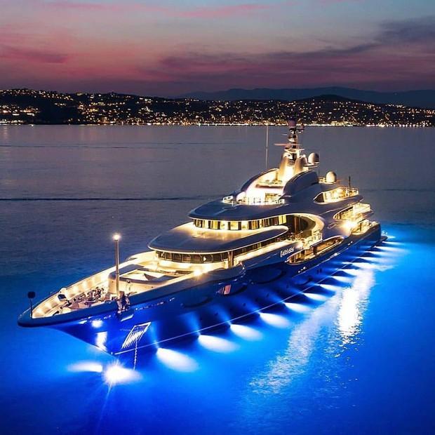 Công thức chung cho mỗi chuyến du lịch của hội rich kid trên Instagram: Kiểu gì cũng có siêu xe, du thuyền và tiêu tiền tỷ! - Ảnh 3.