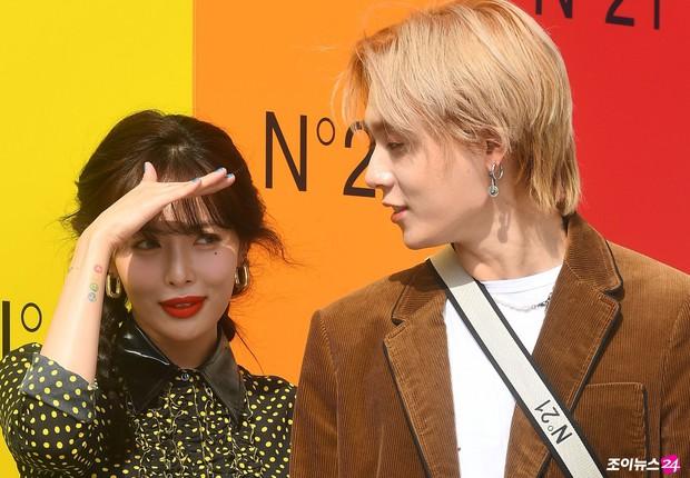 Giữa loạt scandal hẹn hò, cặp con ghẻ Hyuna và EDawn bỗng nhận cơn mưa lời khen vì tình như phim tại sự kiện - Ảnh 14.