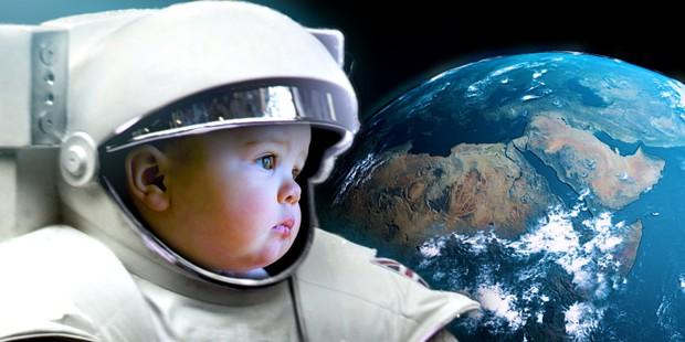 Một em bé sinh ra trên vũ trụ trông sẽ như thế nào? Hóa ra sự khác biệt có thể đến mức được xem là một giống loài mới - Ảnh 2.