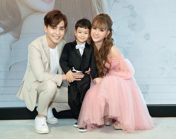 Giữa ồn ào cấu tay bé Henry, Kin Nguyễn bị khui lại clip từng tham gia gameshow cởi đồ bằng miệng phản cảm với bạn gái cũ - Ảnh 3.