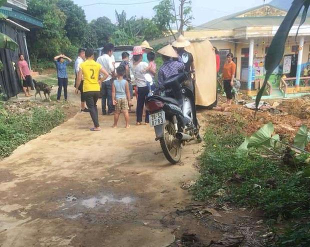 Người đàn ông bị điện giật tử vong khi đang xây trường mầm non ở Hòa Bình - Ảnh 1.