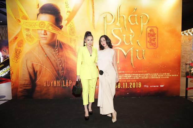 Huỳnh Lập gây ớn lạnh với bài vè tuổi thơ Cô dâu chú rể làm bể bình bông trong teaser gọi vong Pháp Sư Mù - Ảnh 16.