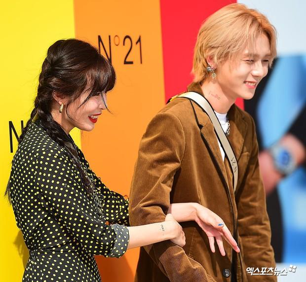Giữa loạt scandal hẹn hò, cặp con ghẻ Hyuna và EDawn bỗng nhận cơn mưa lời khen vì tình như phim tại sự kiện - Ảnh 9.