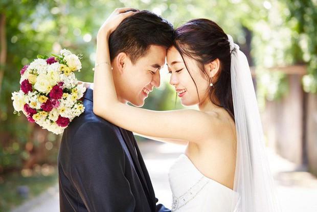 Cưới xin thời 4.0 ở Trung Quốc: Khách mời quét mã QR để chơi game online ngay trong đám cưới, cô dâu chú rể không sợ tiền mừng ít, chỉ sợ đụng hàng ý tưởng - Ảnh 1.