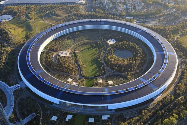 Hé lộ bí mật về trụ sở 5 tỷ USD của Apple: Không hề gắn vào Trái Đất như những tòa nhà thông thường! - Ảnh 1.