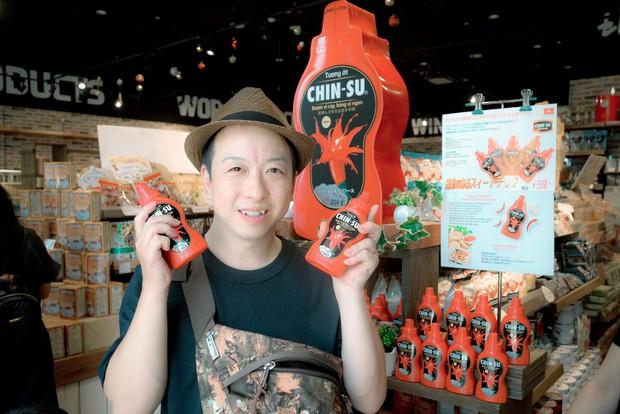 Mới ngày đầu ra mắt, tương ớt CHIN-SU đã khiến nhiều thực khách Nhật Bản xếp hàng để thưởng thức - Ảnh 3.