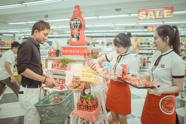 Mới ngày đầu ra mắt, tương ớt CHIN-SU đã khiến nhiều thực khách Nhật Bản xếp hàng để thưởng thức - Ảnh 8.