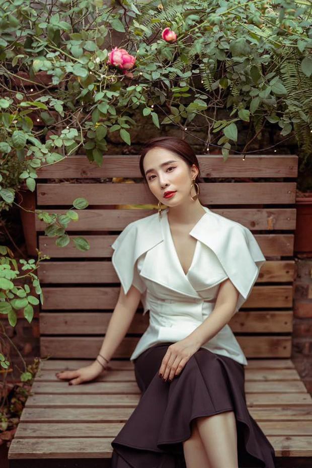 """Tạm biệt style """"rẻ tiền"""" của Nhã, Quỳnh Nga ngày càng đẹp và sang trọng khiến dân tình xao xuyến - Ảnh 8."""