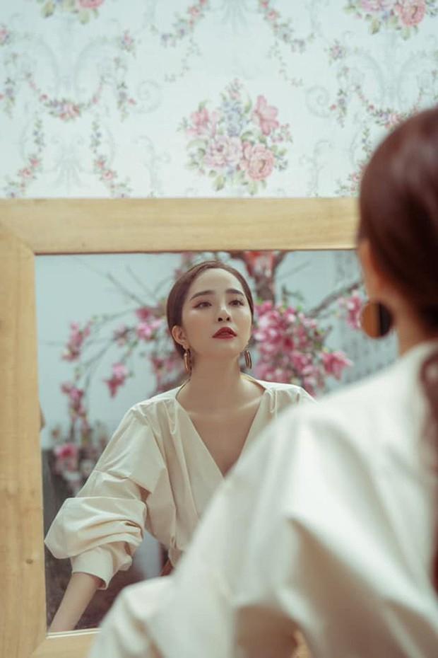 """Tạm biệt style """"rẻ tiền"""" của Nhã, Quỳnh Nga ngày càng đẹp và sang trọng khiến dân tình xao xuyến - Ảnh 9."""