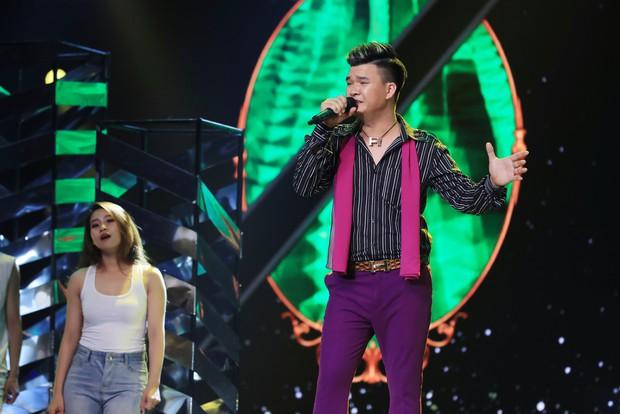 Ca sĩ thần tượng: Trấn Thành bị giám đốc âm nhạc quăng dép lên sân khấu - Ảnh 2.