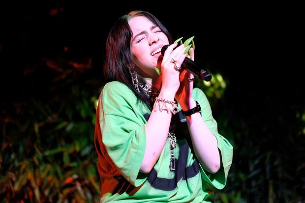 Ai mê chơi móng giả cũng có thể gặp phải tình trạng đau thương giống hiện tượng âm nhạc Billie Eilish - Ảnh 2.