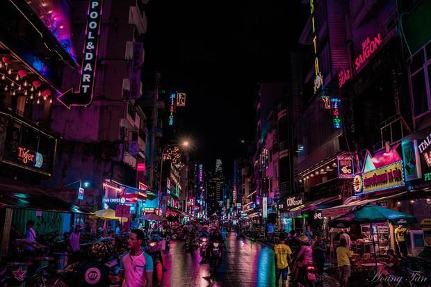 Phía sau vẻ hào nhoáng, có một phố Tây Bùi Viện hiện lên như góc Hong Kong bình dị đang khiến dân mạng phát sốt - Ảnh 3.