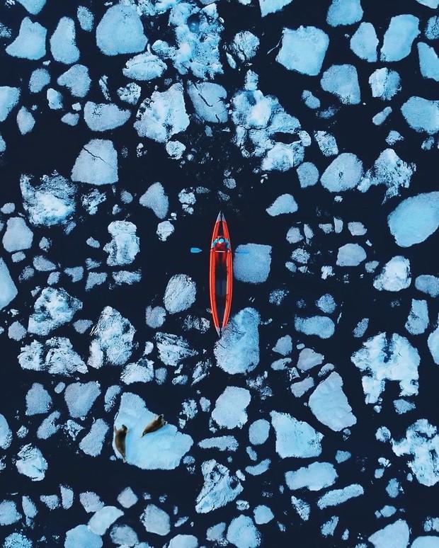 Nhìn tưởng Bắc Cực, nhưng đây lại là hồ nước rộng và sâu nhất thế giới, ẩn chứa 5 bí ẩn nhân loại chưa có câu trả lời - Ảnh 10.