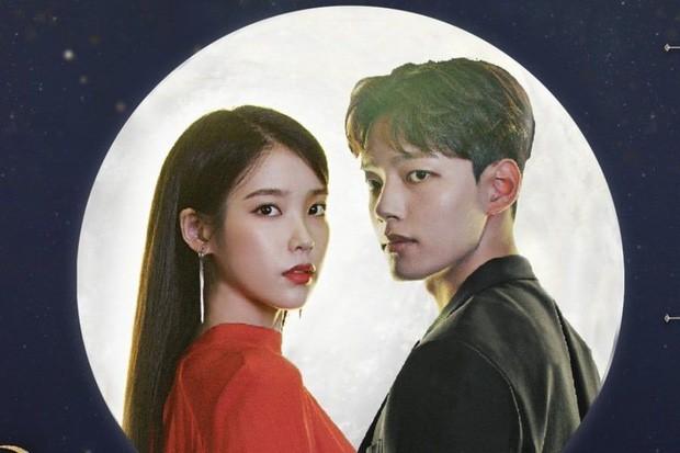 Tình hình BXH tại Hàn: Cùng là nhạc phim của IU mà Chung Ha, Gummy đấu đá lẫn nhau hết sức căng thẳng - Ảnh 1.