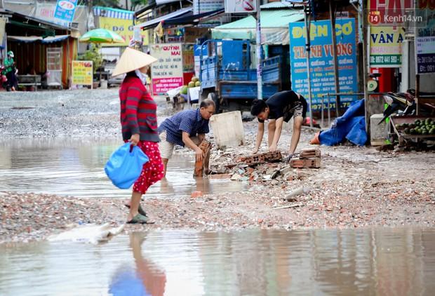 Nhìn từ trên cao con đường lầy lội nhất Sài Gòn: Gần 100 ao nước lớn nối tiếp nhau hơn 2km - Ảnh 14.