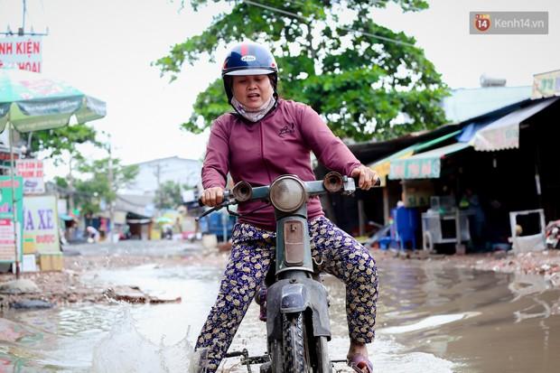 Nhìn từ trên cao con đường lầy lội nhất Sài Gòn: Gần 100 ao nước lớn nối tiếp nhau hơn 2km - Ảnh 8.