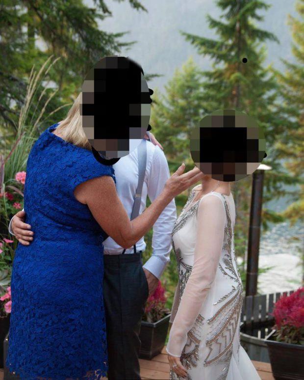 Mẹ chồng kém duyên cản trở hôn lễ của con trai khiến con dâu khó chịu ra mặt, đáng chú ý hơn là việc làm dứt khoát của chú rể - Ảnh 1.