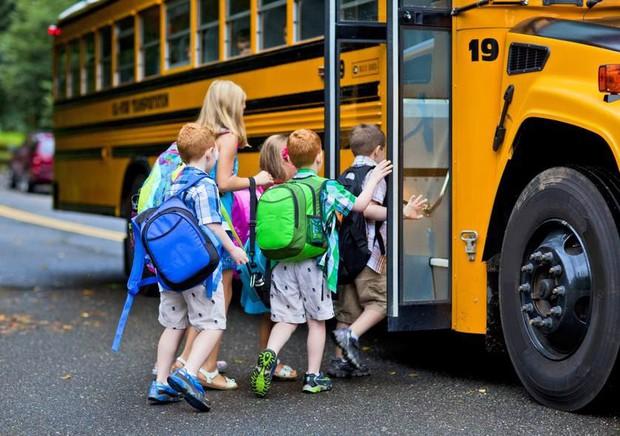 Từng có trẻ chết thương tâm tương tự vụ Gateway, các nước Âu Mỹ, Úc và Hàn Quốc đã ngăn chặn việc học sinh bị bỏ quên trên xe đưa đón như thế nào? - Ảnh 1.