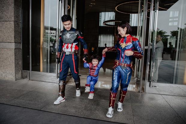 Chia sẻ ảnh đi du lịch Đà Nẵng, gia đình Tùng Sơn - Trang Lou khiến netizen xuýt xoa vì bé Xoài quá dễ cưng - Ảnh 2.