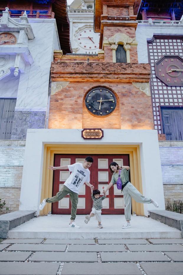 Chia sẻ ảnh đi du lịch Đà Nẵng, gia đình Tùng Sơn - Trang Lou khiến netizen xuýt xoa vì bé Xoài quá dễ cưng - Ảnh 11.
