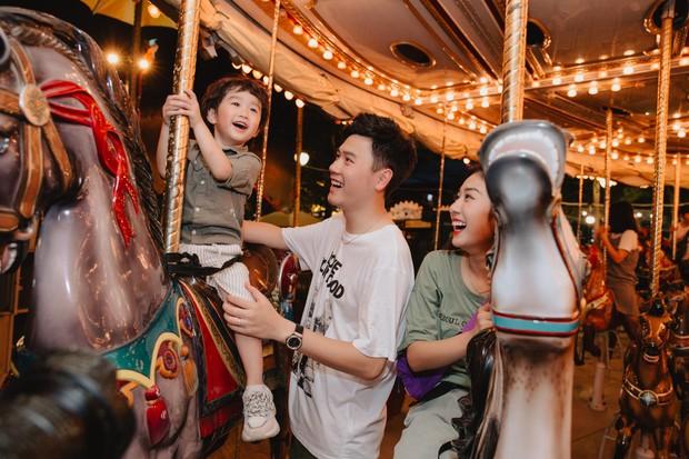Chia sẻ ảnh đi du lịch Đà Nẵng, gia đình Tùng Sơn - Trang Lou khiến netizen xuýt xoa vì bé Xoài quá dễ cưng - Ảnh 13.