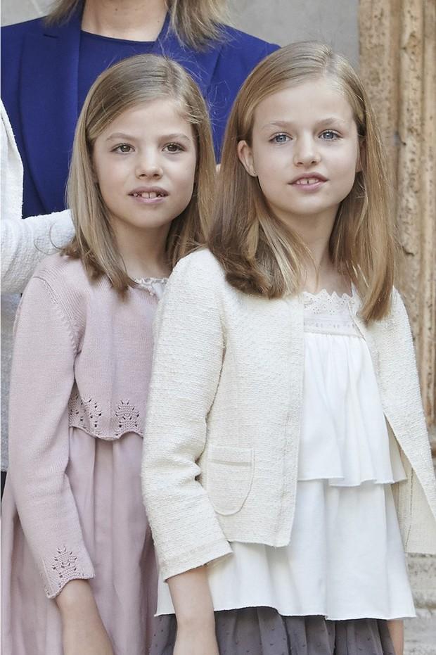 Phong cách thường thấy của những cậu ấm cô chiêu Hoàng gia châu Âu có gì đặc biệt? - Ảnh 8.