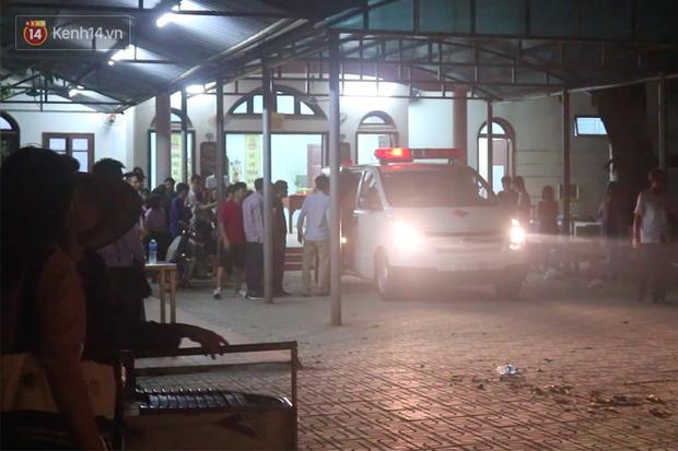 Xót xa lễ khâm liệm trong đêm và chuyến xe đưa thi thể bé trai xấu số trở về nhà sau sự cố thương tâm trên ô tô đưa đón của trường Gateway - Ảnh 5.