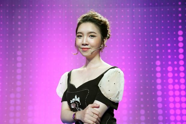 Trương Thế Vinh bối rối trước bộ ảnh hững hờ của thí sinh Hoa hậu Hoàn vũ Việt Nam 2017 - Ảnh 7.