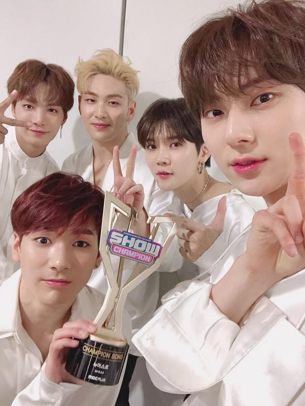 Wanna One sau 2 năm: Người thành công, kẻ lận đận nhưng chỉ thực sự hoàn hảo nhất khi 11 mảnh ghép ở cạnh nhau - Ảnh 12.
