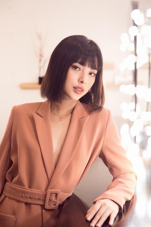 Lan Khuê khoe dáng mỏng những tháng cuối thai kỳ, Kỳ Duyên - Jolie Nguyễn đụng độ tại sự kiện - Ảnh 10.
