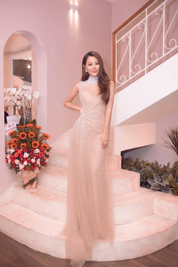 Lan Khuê khoe dáng mỏng những tháng cuối thai kỳ, Kỳ Duyên - Jolie Nguyễn đụng độ tại sự kiện - Ảnh 6.