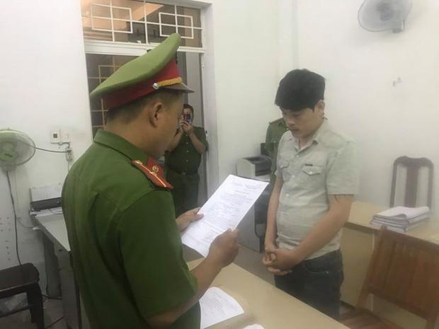 Bắt nhóm đòi nợ khủng bố bằng chất bẩn, dọa giết và tiêm kim nhiễm HIV ở Đà Nẵng - Ảnh 1.