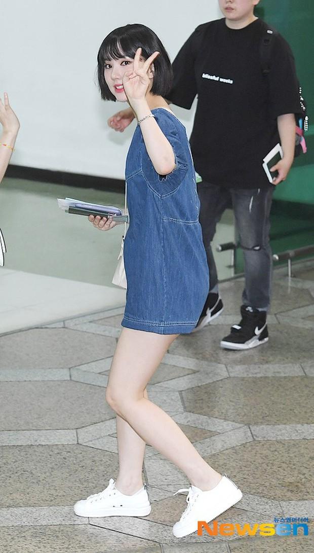 Nữ idol xấu nhất lịch sử Kpop một thời ngày càng xinh, ra sân bay sương sương mà lấn át cả chân dài G-Friend - Ảnh 10.