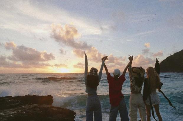 """Kỷ niệm 3 năm debut, Jennie tặng fan tài khoản IG toàn ảnh film cực """"nghệ"""", điều kỳ diệu nhất nằm ở bức hình đầu tiên - Ảnh 21."""
