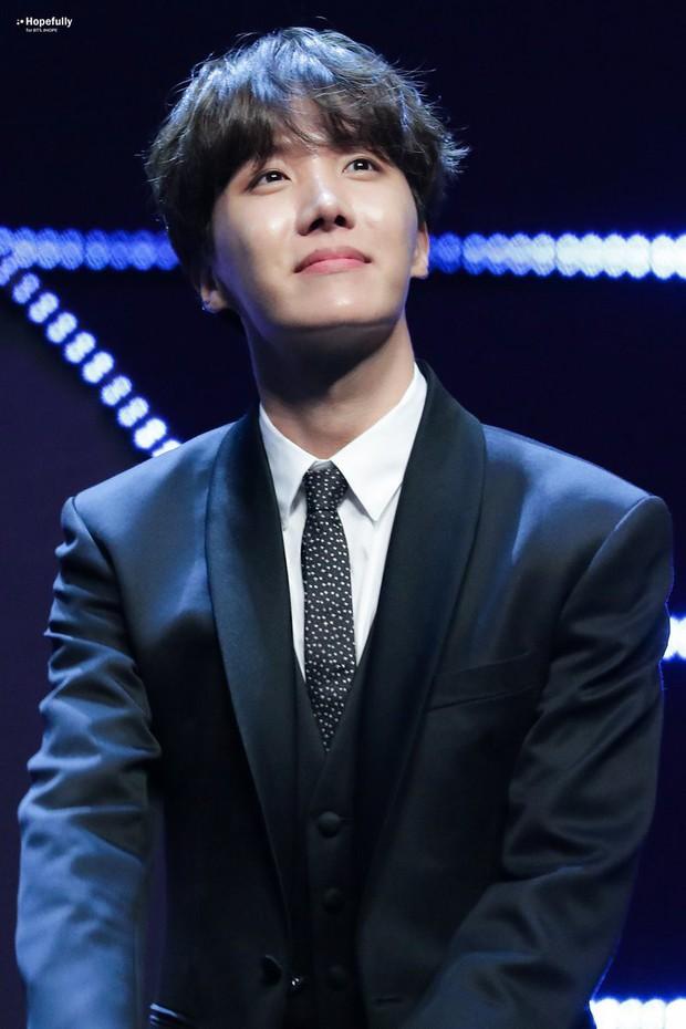Choáng với cách cá kiếm của thành viên giàu nhất BTS: Thu về 19 tỉ đồng chỉ sau 2 năm khi Jin lỗ cả nửa tỉ - Ảnh 2.