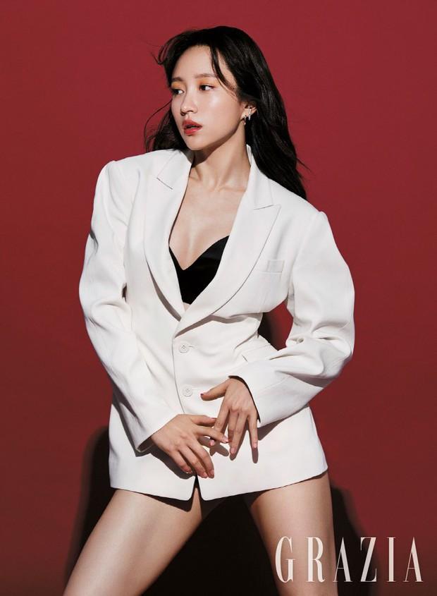 Hani chỉ vừa mới đổi kiểu makeup, netizen đã kêu trời vì khác quá không nhận ra - Ảnh 3.