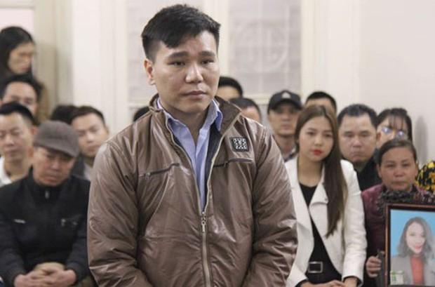 Châu Việt Cường được giảm 2 năm tù, òa khóc khi luật sư nhắc lại biến cố mẹ mất vì tai nạn giao thông - Ảnh 1.