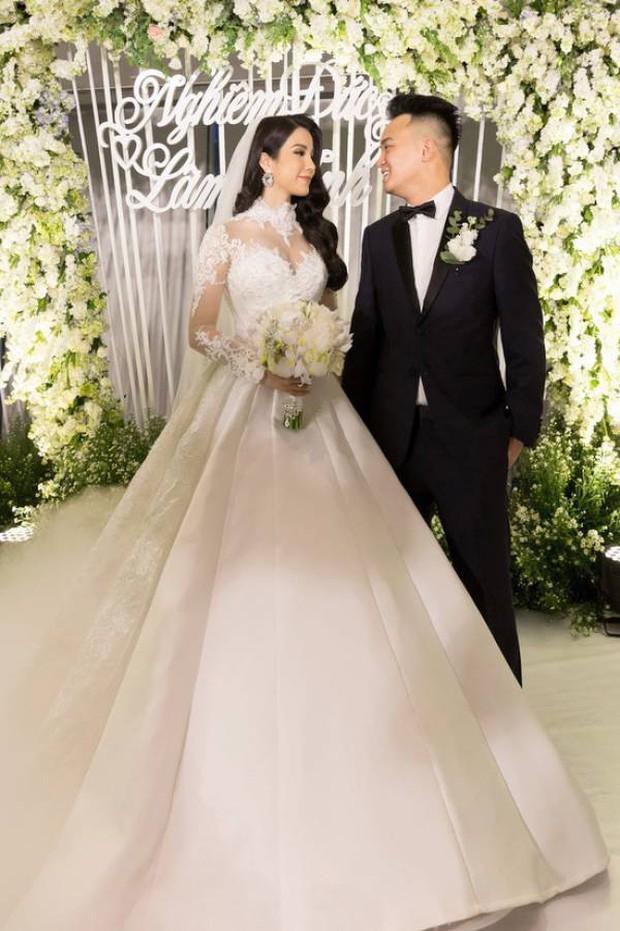 Sao Việt thay váy cưới như chạy show: Đàm Thu Trang đổi liền 3 bộ nhưng còn có người thay liền 5 bộ chỉ trong 1 ngày - Ảnh 12.
