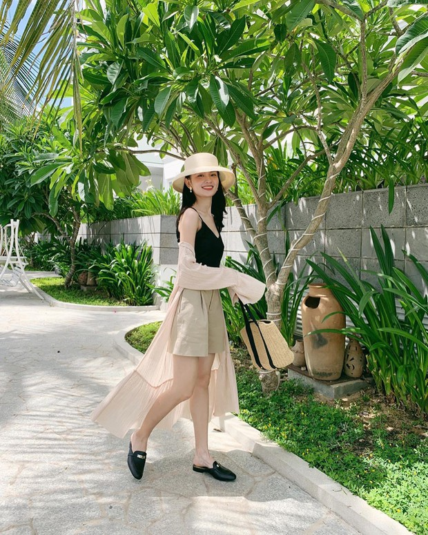 Á hậu Thùy Dung kín tiếng quá nên suýt nữa chị em đã bỏ lỡ một hình mẫu mặc đẹp lý tưởng - Ảnh 12.